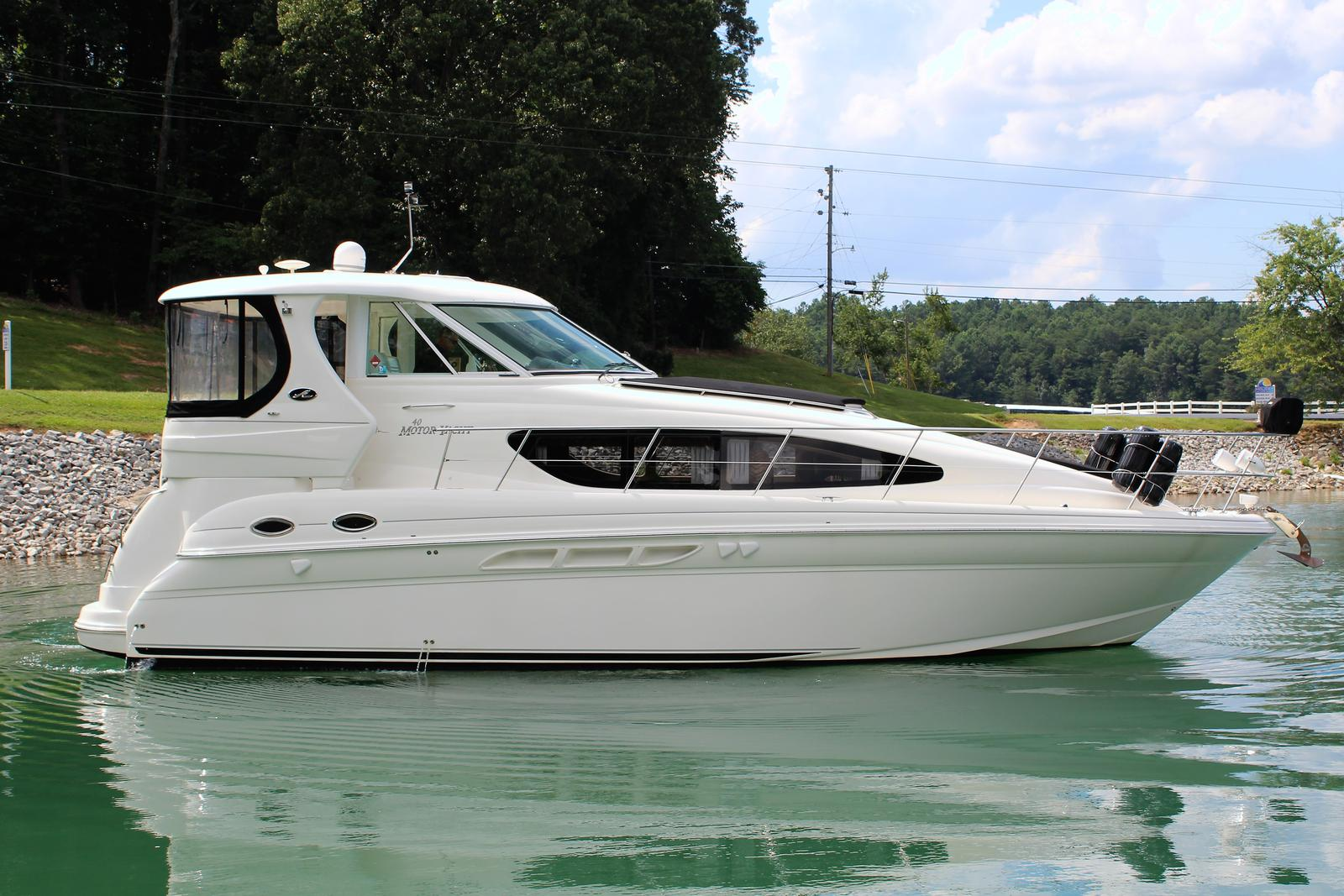 Sea Ray 40 Motor Yacht