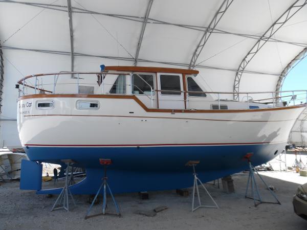 Nauticat 33 Pilothouse Ketch Liv Aboard Starboard Side
