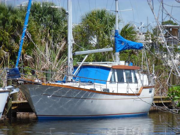 Nauticat 33 Pilothouse Ketch Liv Aboard Docked Newly Rigged