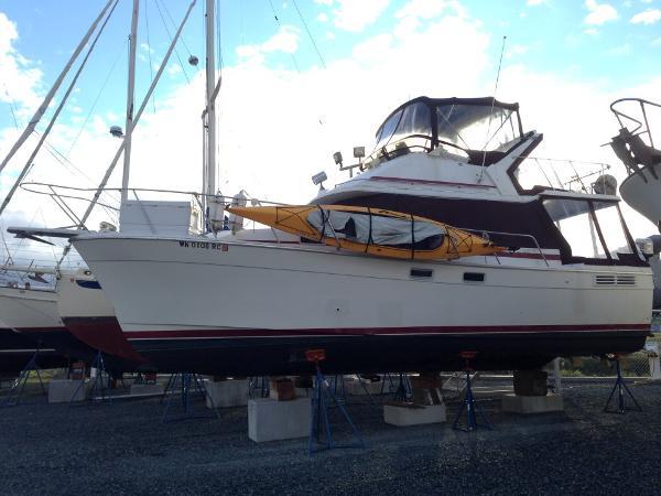 Bayliner 3288 Motor Yacht 32' Bayliner 1987