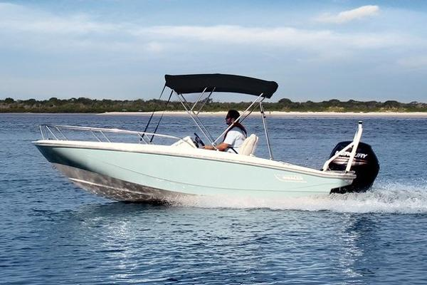 Boston Whaler 16SPT Manufacturer Provided Image