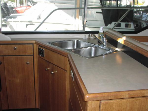 Double sink in Galley