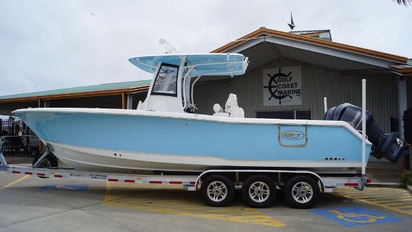Sea Hunt Gamefish 30 with Coffin Box