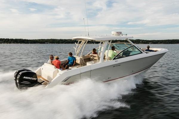 Boston Whaler 320 Vantage Manufacturer Provided Image