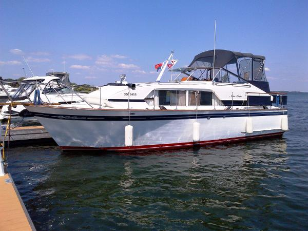 Chris-Craft Constellation 38