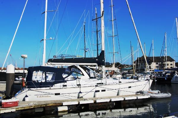 Beneteau 411 Starboard side