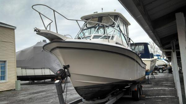 Grady-White Sailfish 25 Sport Bridge