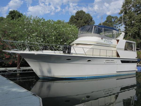 Californian 45 Motor Yacht MAIN PHOTO