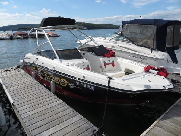 Monterey M5 MSX Sport Boat