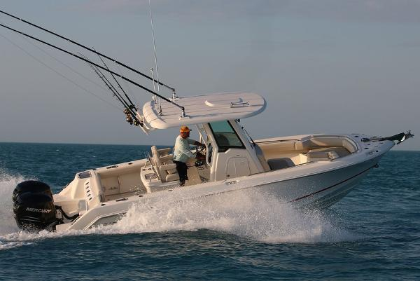 Boston Whaler 250 Outrage
