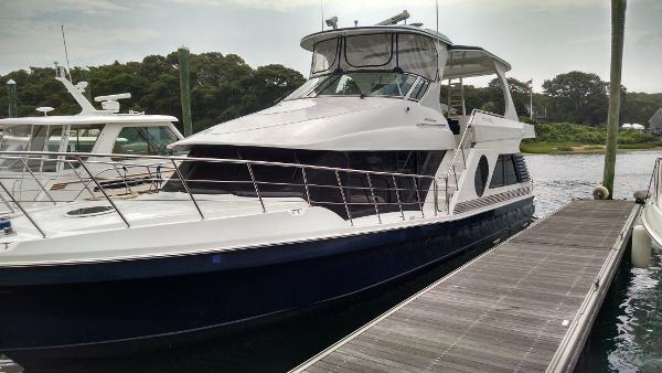 Bluewater Yachts 5200 Custom Series At the dock