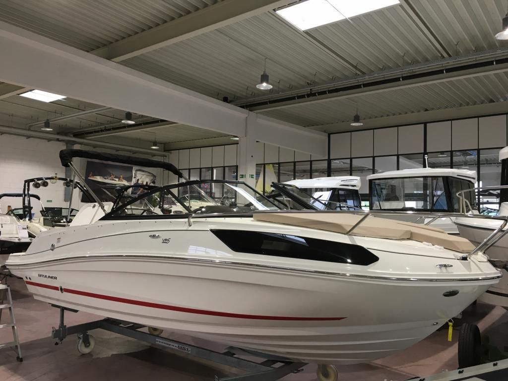 Bayliner VR 5 C  Hot Deal