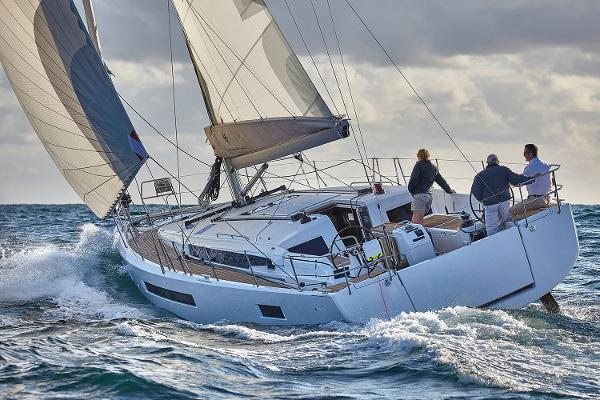Jeanneau Sun Odyssey 490 Manufacturer Provided Image