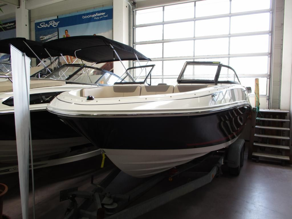 Bayliner VR 5 Hot Deal