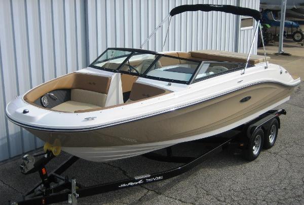 Sea Ray SPX 230 BR