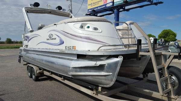 Crest Pontoon Boats Savannah 25
