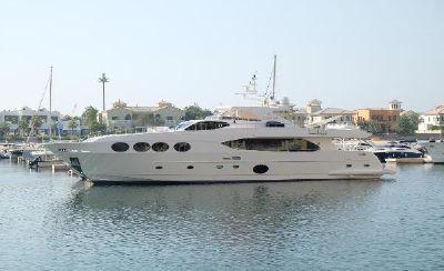 Gulf Craft Majesty 105 Motor Yacht