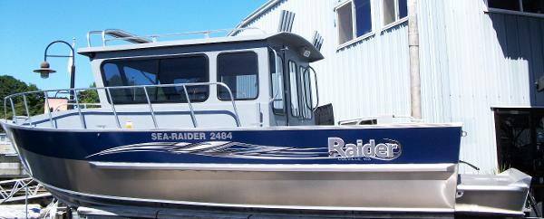 Raider Sea Raider 2484 Cuddy