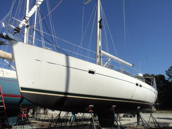Beneteau 473 INSFREE on hard in Charleston