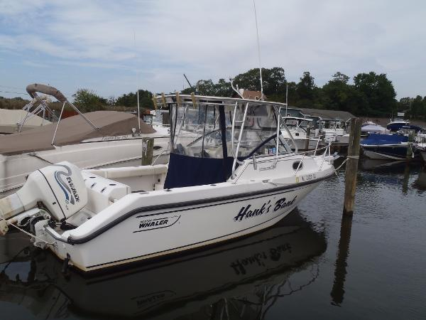 Boston Whaler 23 Conquest