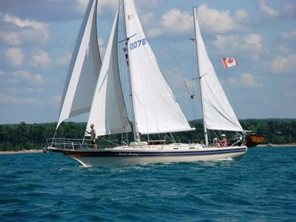 Bayfield 40 Sailboat Main