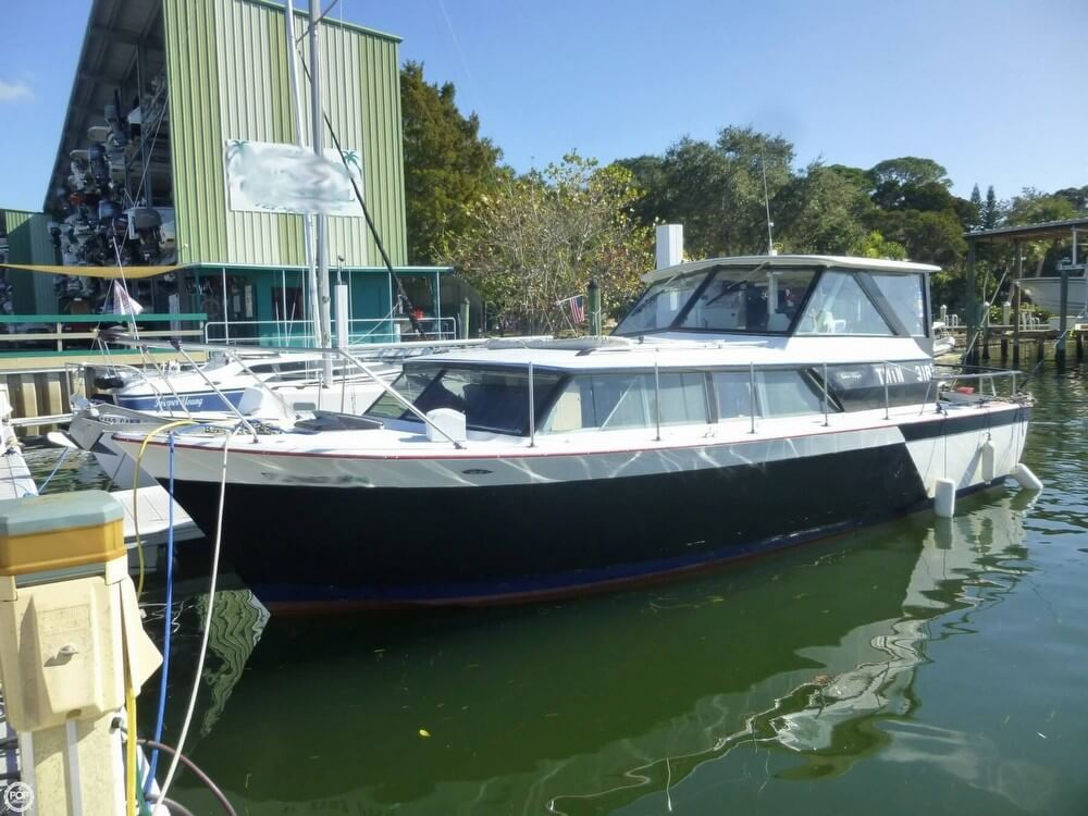 Chris-Craft 31 Commander 1969 Chris-Craft 31 Commander for sale in Holiday, FL