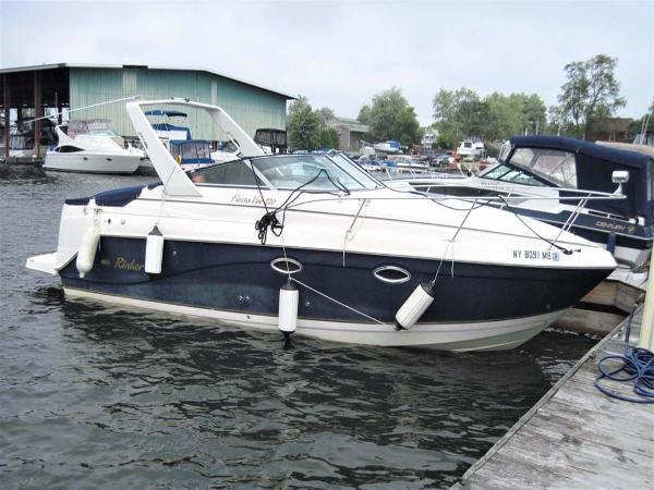 Rinker 270 Fiesta Vee Starboard View at Dock