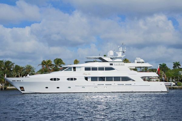 Richmond 138 Motor Yacht