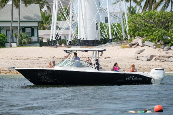 Sea Chaser 30 Dual Console