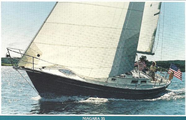 Hinterhoeller Niagara 35 Sistership