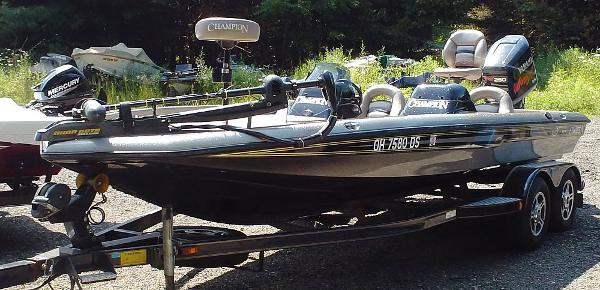 CHAMPION BOATS 206DC Elite