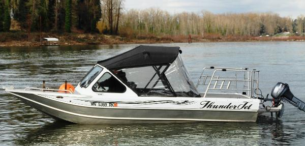 Thunder Jet Luxor 19' Raised Deck