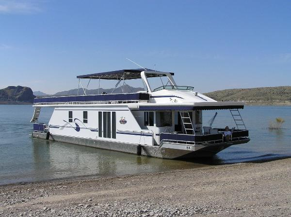 Fantasy 16 x 69 Houseboat