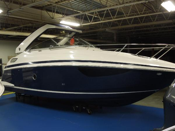 Regal 28 Express 2015 Regal 28 Express - Starboard