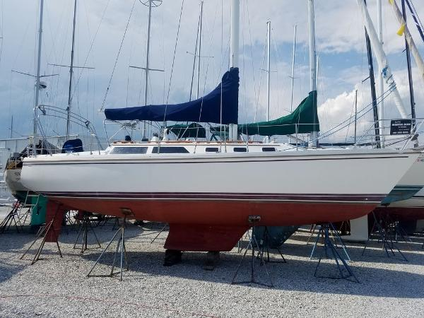 "Catalina 34 ""Beautiful Dreamer"""