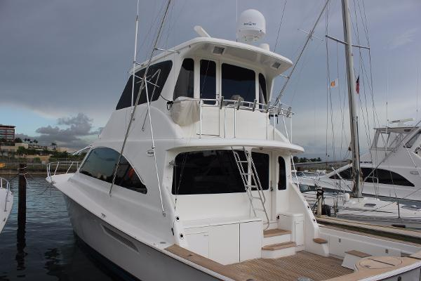 Ocean Yachts Enclosed Bridge