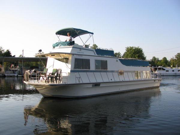 Harbor Master 520 Houseboat Photo 1