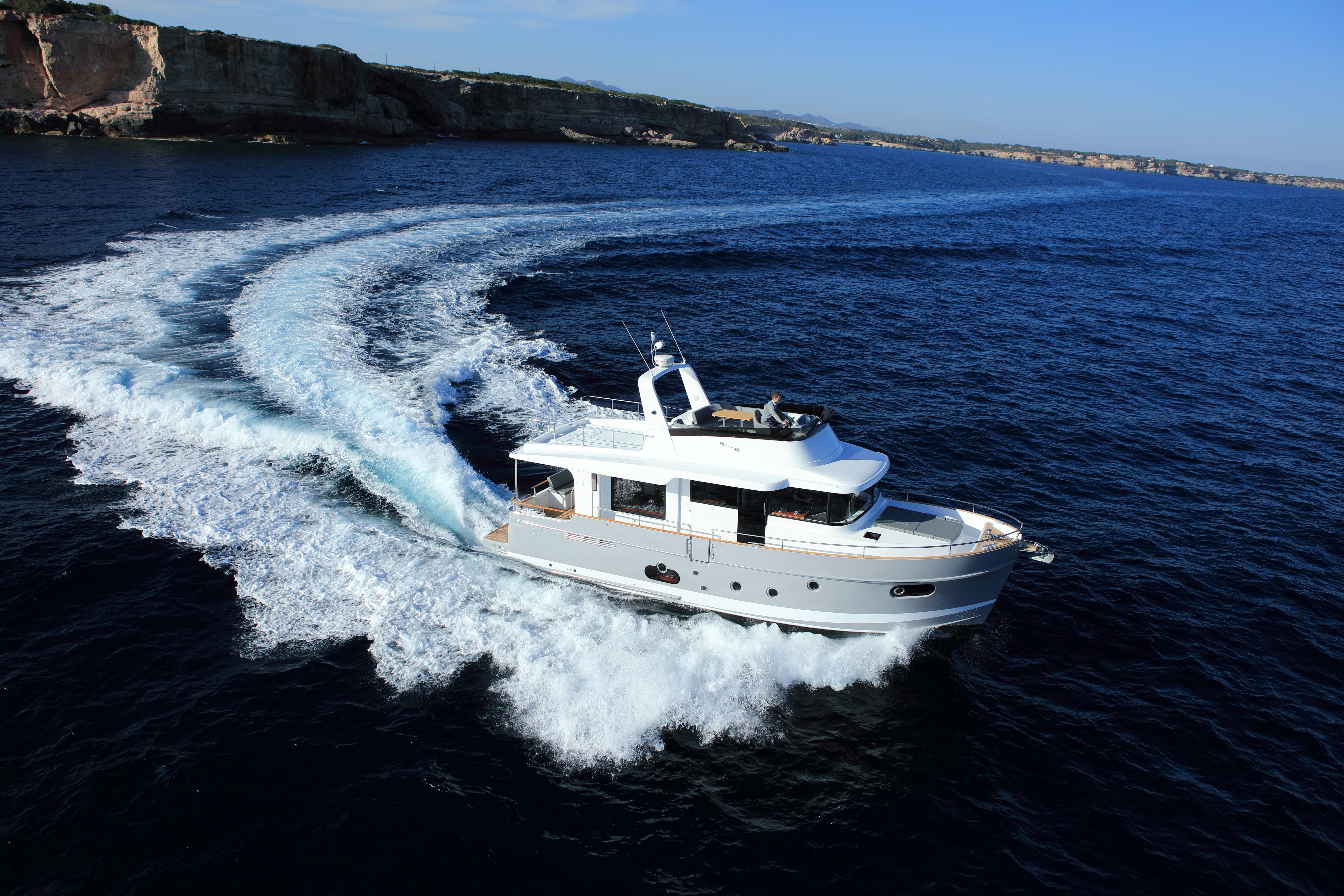 Beneteau Swift Trawler 50 New Beneteau Swift Trawler 50