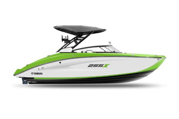 Yamaha Boats 255XD Manufacturer Provided Image