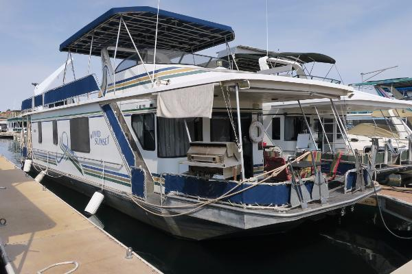 Stardust Cruisers CUSTOM HOUSEBOAT