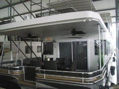 Thoroughbred 19 x 88 Houseboat