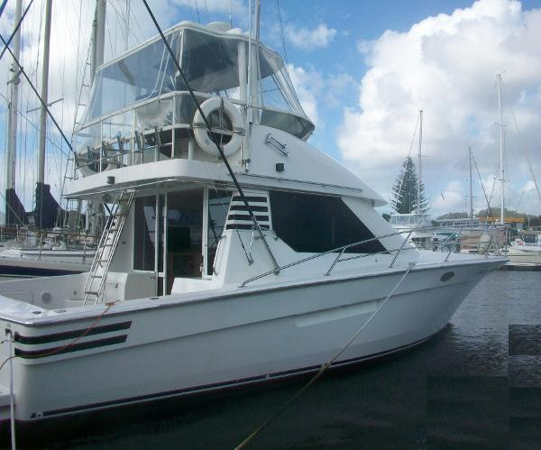 Precision 400 Flybridge Cruiser