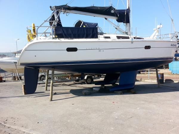 Legend 36 Legend 36 bilge keel for sale