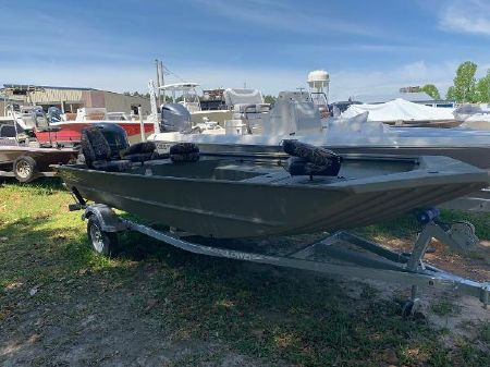Duck Hunting Boats For Sale >> Lowe Duck Hunting Boats Roughneck 1756 Boats For Sale Boats Com