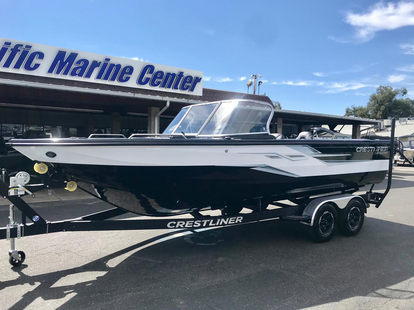 Crestliner 2150 Sportfish SST w/ 300HP Mercury!