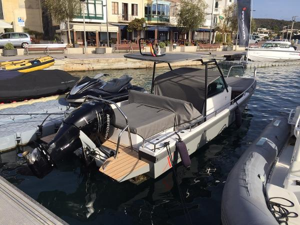 Axopar Boats Axopar 28 T-Top Side profile - Grey hull