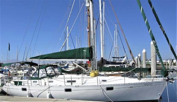 Beneteau Oceanis 400 Docked