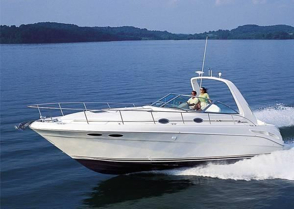Sea Ray 340 Sundancer Stock photo