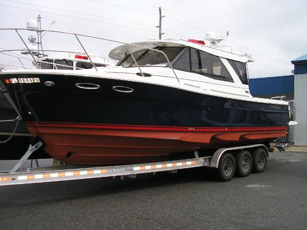 Cutwater C-302 Coupe