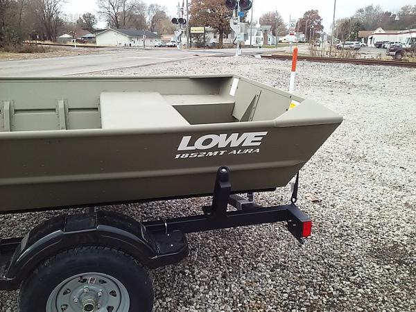 Lowe L1852AMT AURA